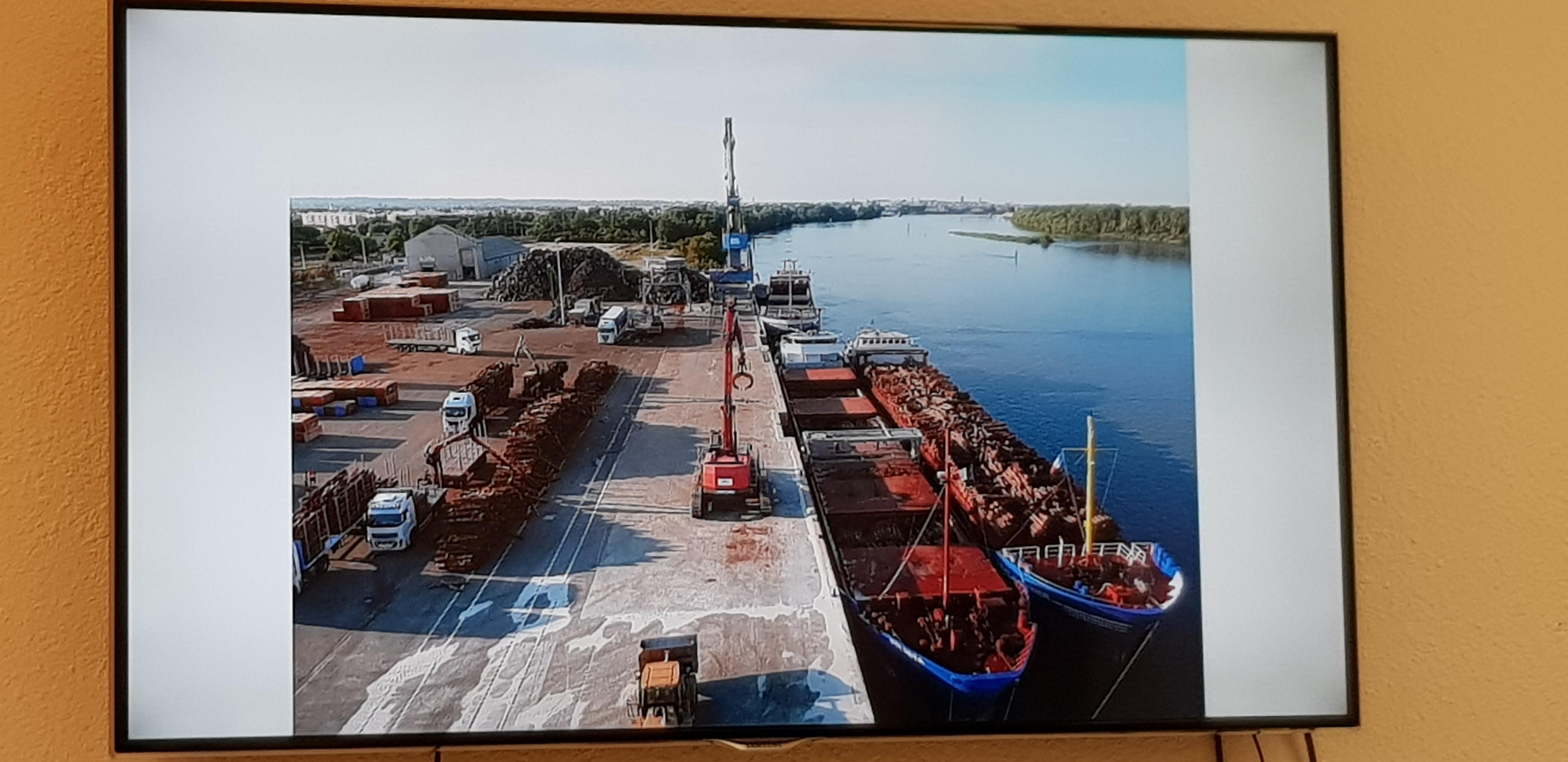 1er port fluvial depuis la Mer