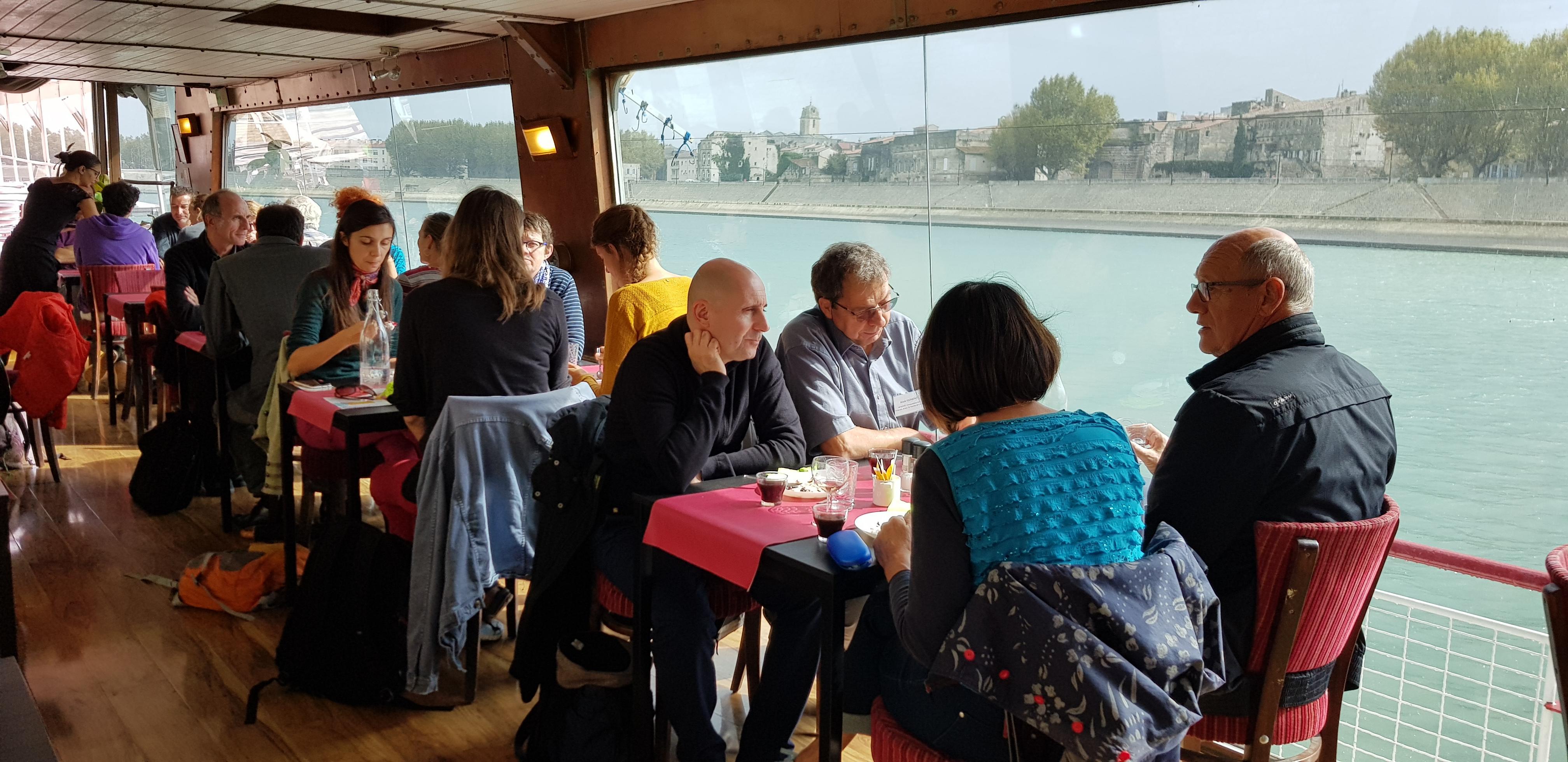 Déjeuner pro sur la Péniche en Arles