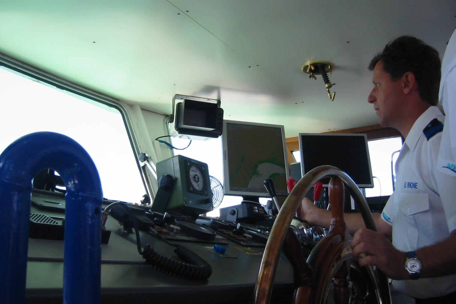 Navigations à bord de la vedette des voies navigables